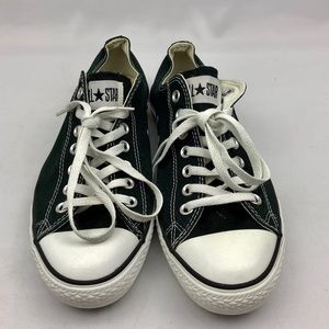Converse | Black & White | Chuck Taylor | Low Tops